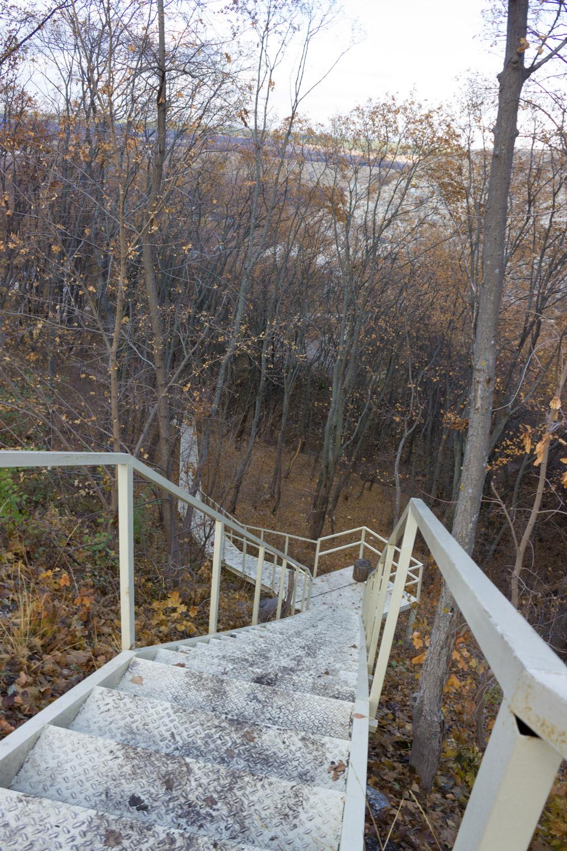 Лестница к монастырю